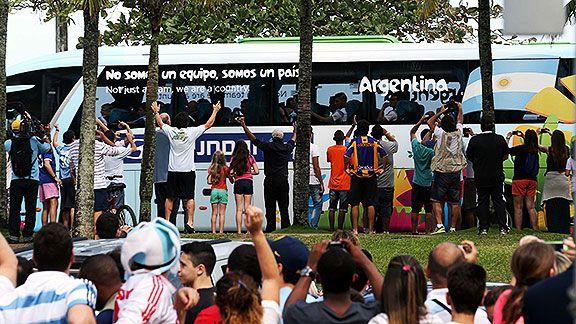 La Selección argentina ya llegó a Río de Janeiro para la final del Mundial