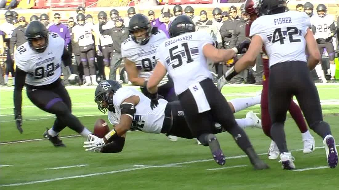 Northwestern stays in stride with 24-14 win at Minnesota