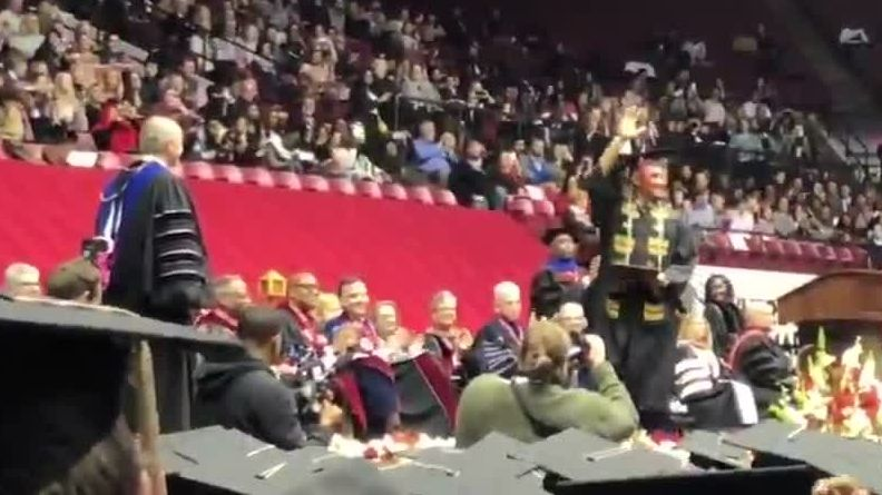 Jalen Hurts receives standing ovation at his graduation from the University of Alabama