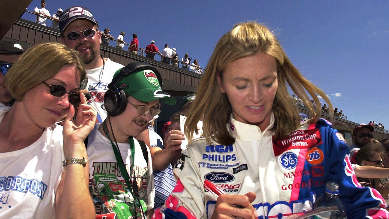 Nascar Shawna Robinson Facing Cancer Fight With A Smile