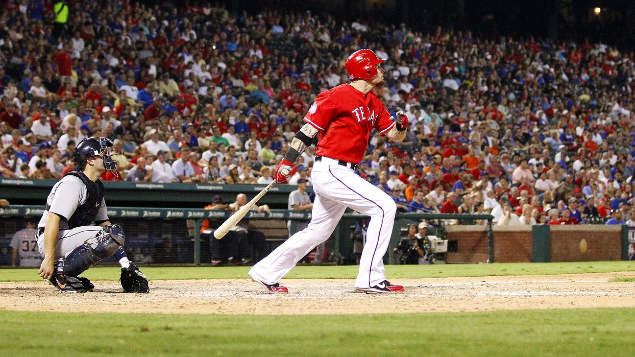Josh Hamilton traded from Los Angeles Angels to Texas Rangers