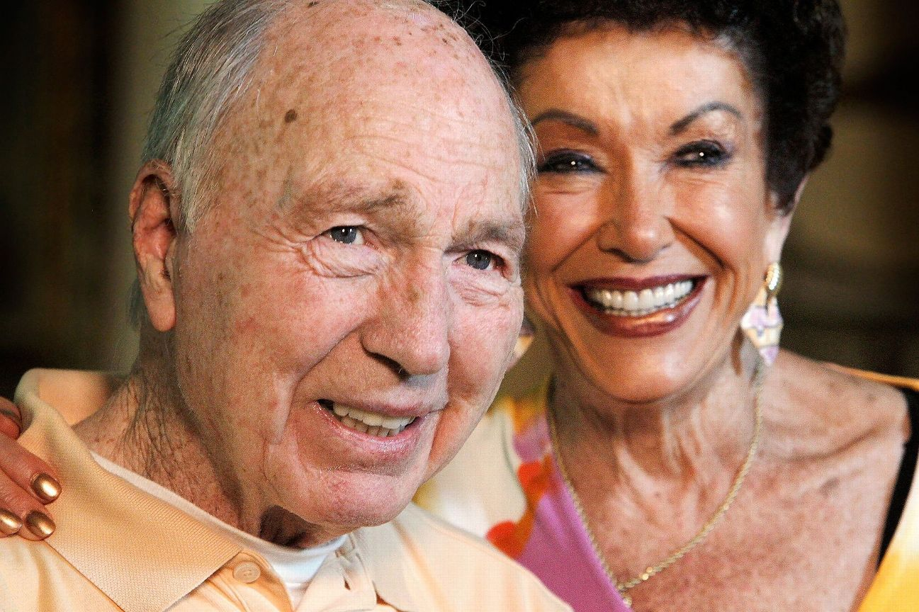 Green Bay Packers Bart Starr To Honor Brett Favre With