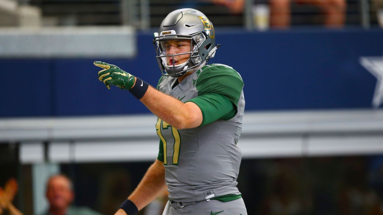 Emotional Seth Russell delivers speech to rally undefeated Baylor