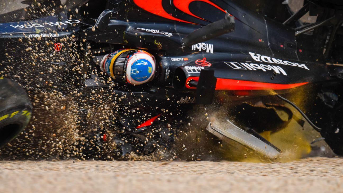 F1 Life Through a Lens - The Fernando Alonso crash