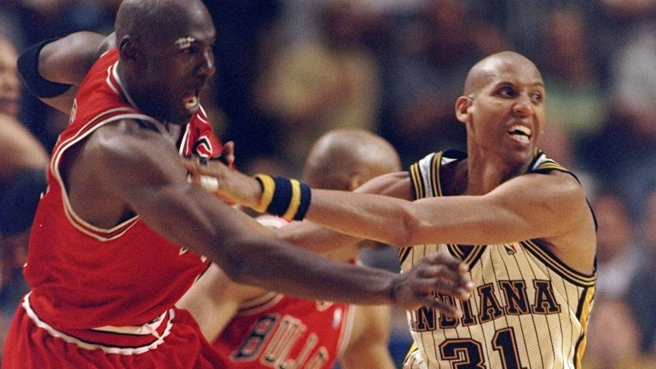 NBA Best Playoff Vines: Reggie Miller's game-winner against Michael Jordan, Bulls