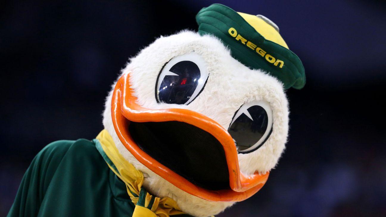 co-offensive coordinator Ducks  Reaves Oregon David