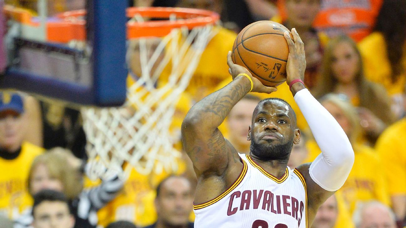 LeBron James of Cleveland Cavaliers passes Shaquille O ...