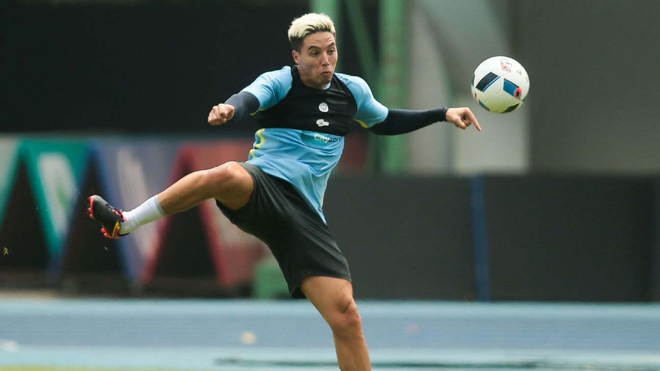 Samir Nasri left out of Man City team after reporting overweight