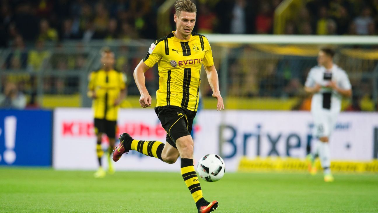 Borussia Dortmund hit by Lukasz Piszczek injury setback