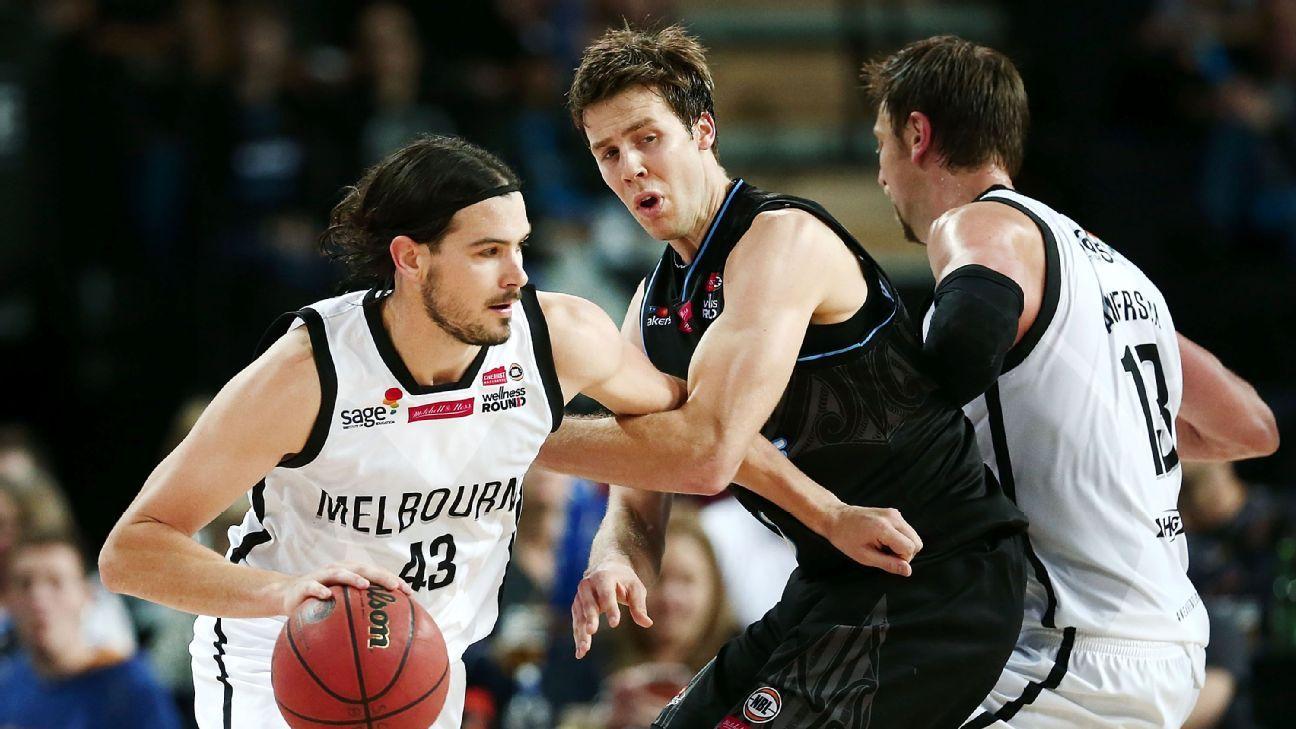 NZ Breakers stun in fourth-quarter defeat Melbourne United NBL