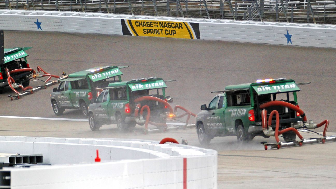 Texas motor speedway to repave surface add drainage system for Nascar racing experience texas motor speedway