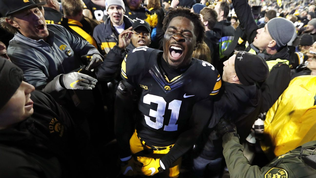 Iowa Hawkeyes Turn Back Time In Upset Of Michigan Wolverines