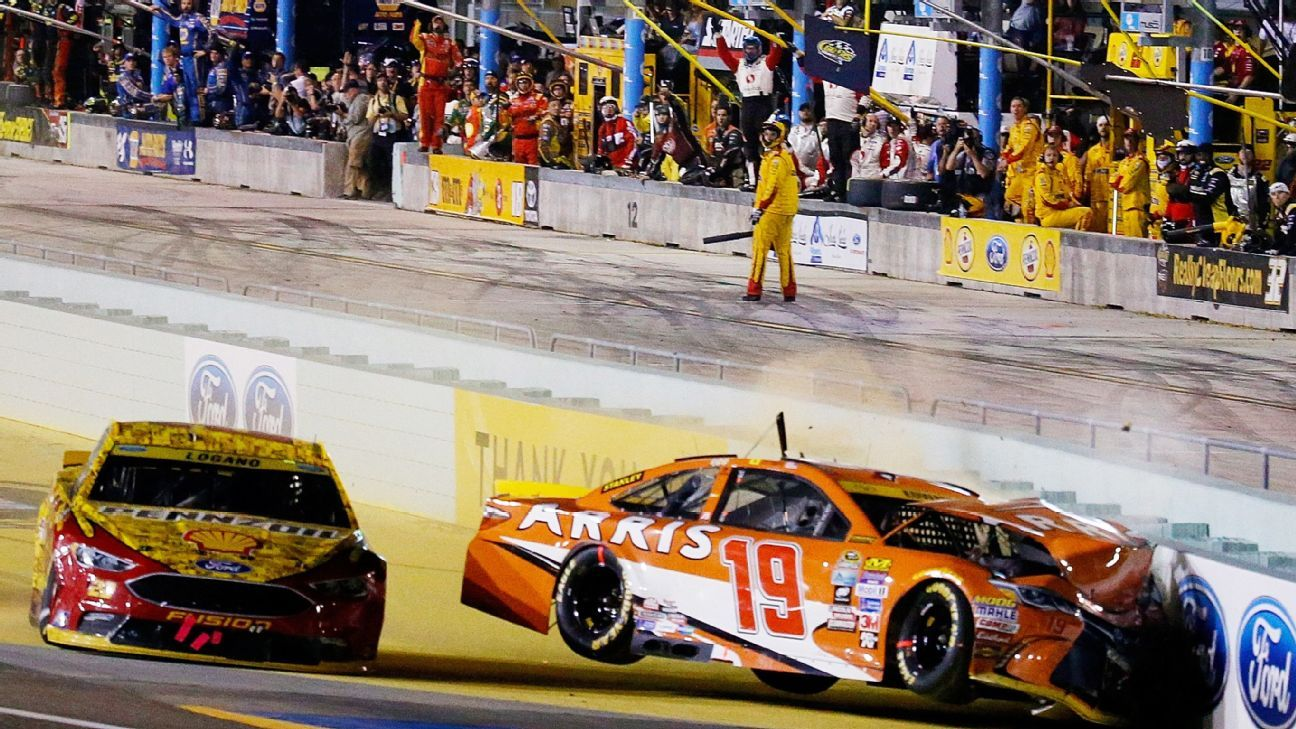 Carl Edwards crashes out at Homestead-Miami Speedway with ...
