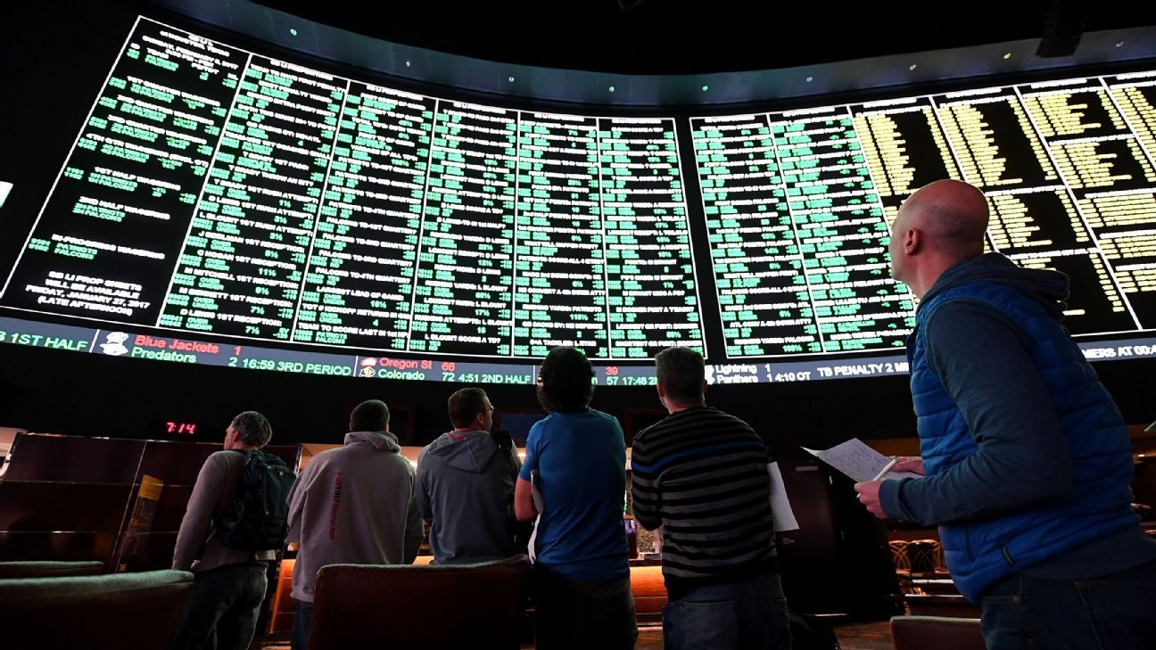 Chicago Cubs lead way as first Nevada sportsbook releases 2017 MLB win totals
