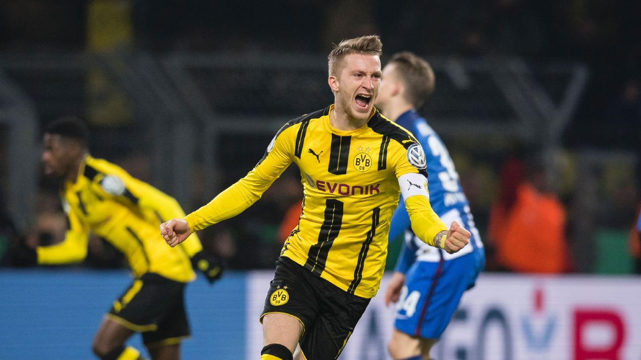 borussia dortmund reach pokal quarters after shootout with hertha schalke win. Black Bedroom Furniture Sets. Home Design Ideas