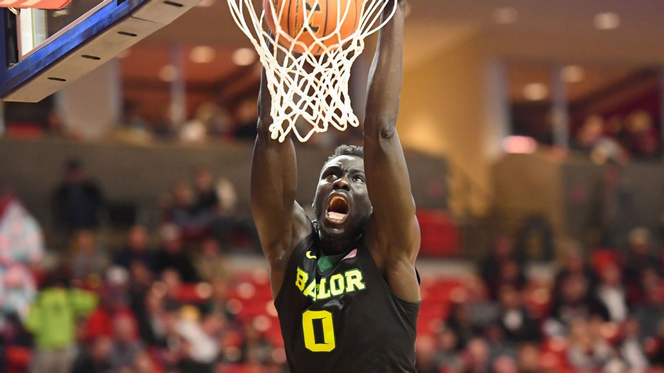 Jo Lual-Acuil Jr. of Baylor plays in front of parents for first time