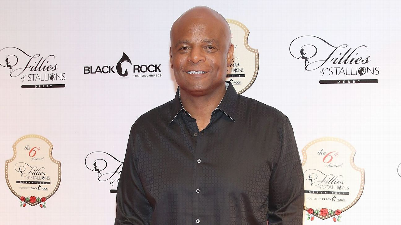 Warren Moon sued for sexual harassment by sports marketing firm assistant