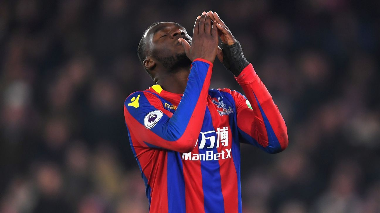 Crystal Palace striker Christian Benteke likely out until 2019 after surgery - Roy Hodgson