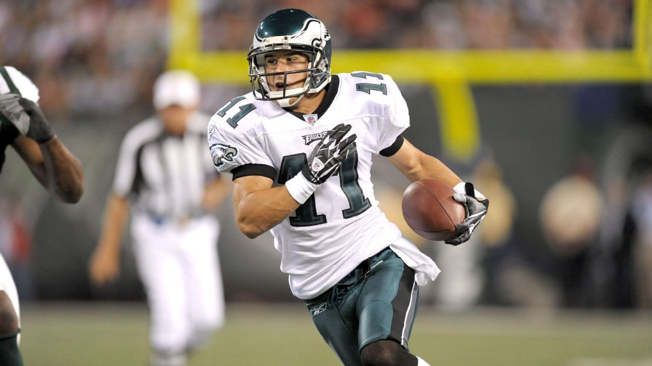 Framed Eagles Jersey At Home Reminds Danny Amendola Of His