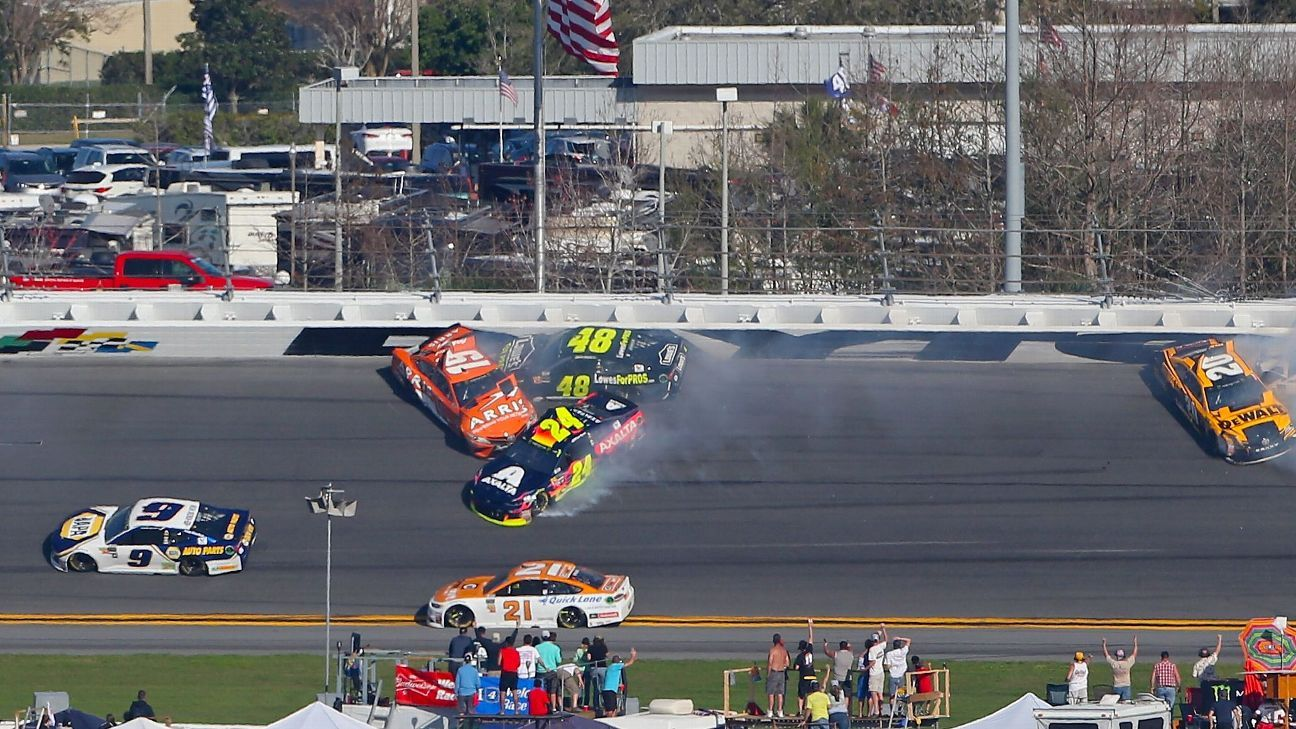 Jimmie Johnson gets collected in crash on final lap of opening stage of Daytona 500, wrecks out ...