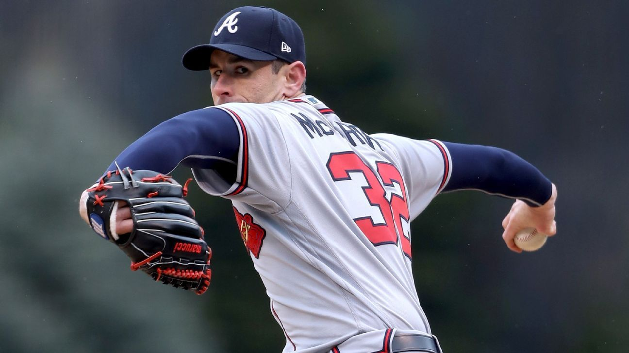 Atlanta Braves pitcher Brandon McCarthy will retire at the end of this season, ending a 13-year career that has been plagued by injuries.