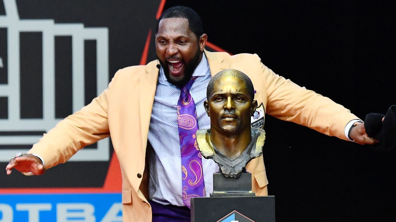 Ray Lewis' 33-minute speech included a HOF-first wireless mic, and the Patriots surprised Randy Moss. Here's how induction Saturday went down.