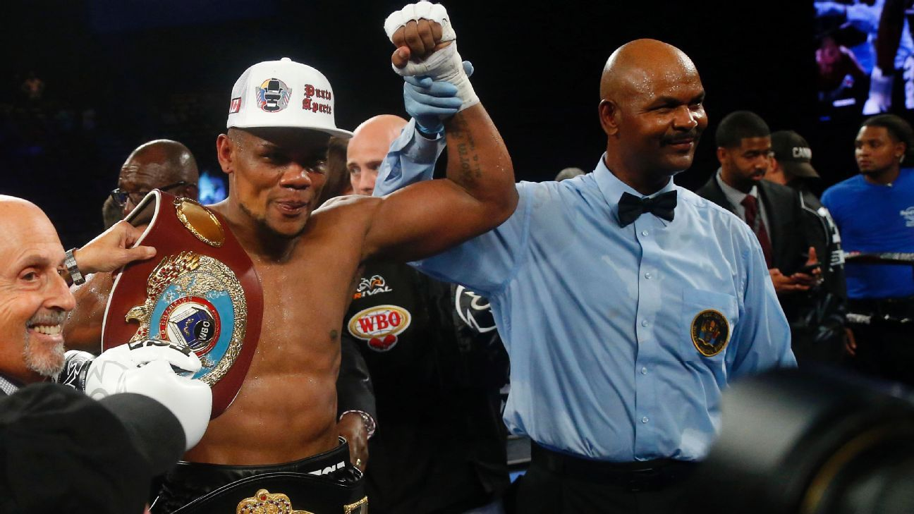 'Storm' sighting: Alvarez stuns Kovalev in 7th