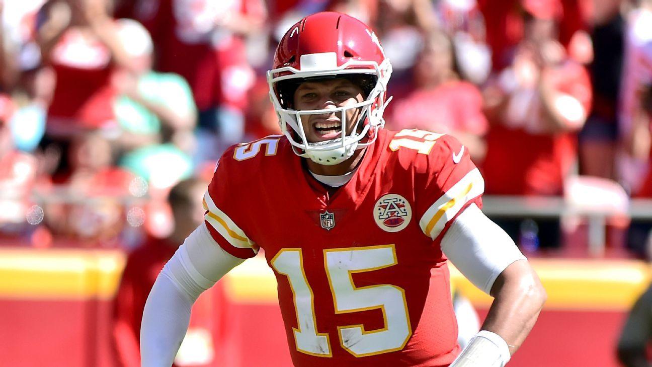 Patrick Mahomes of Kansas City Chiefs sets NFL mark with 13th TD of season