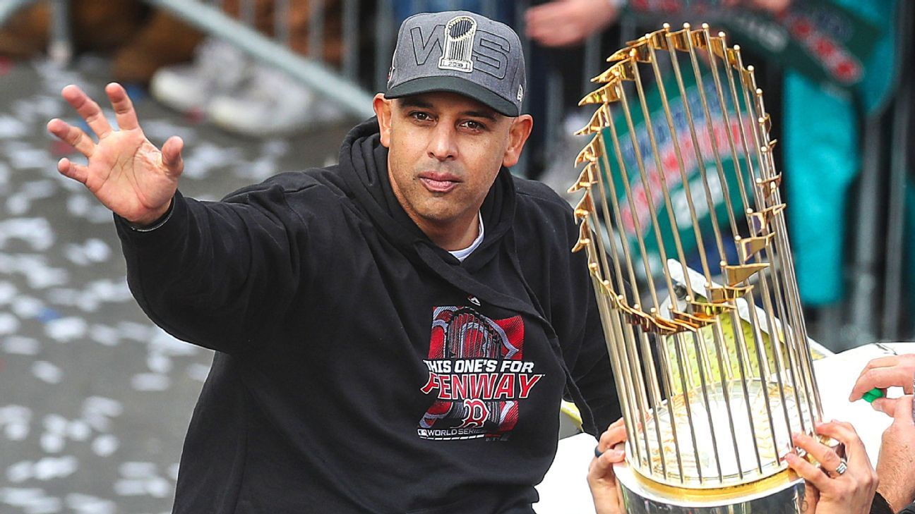 Alex Cora bringing World Series trophy to his Puerto Rican hometown