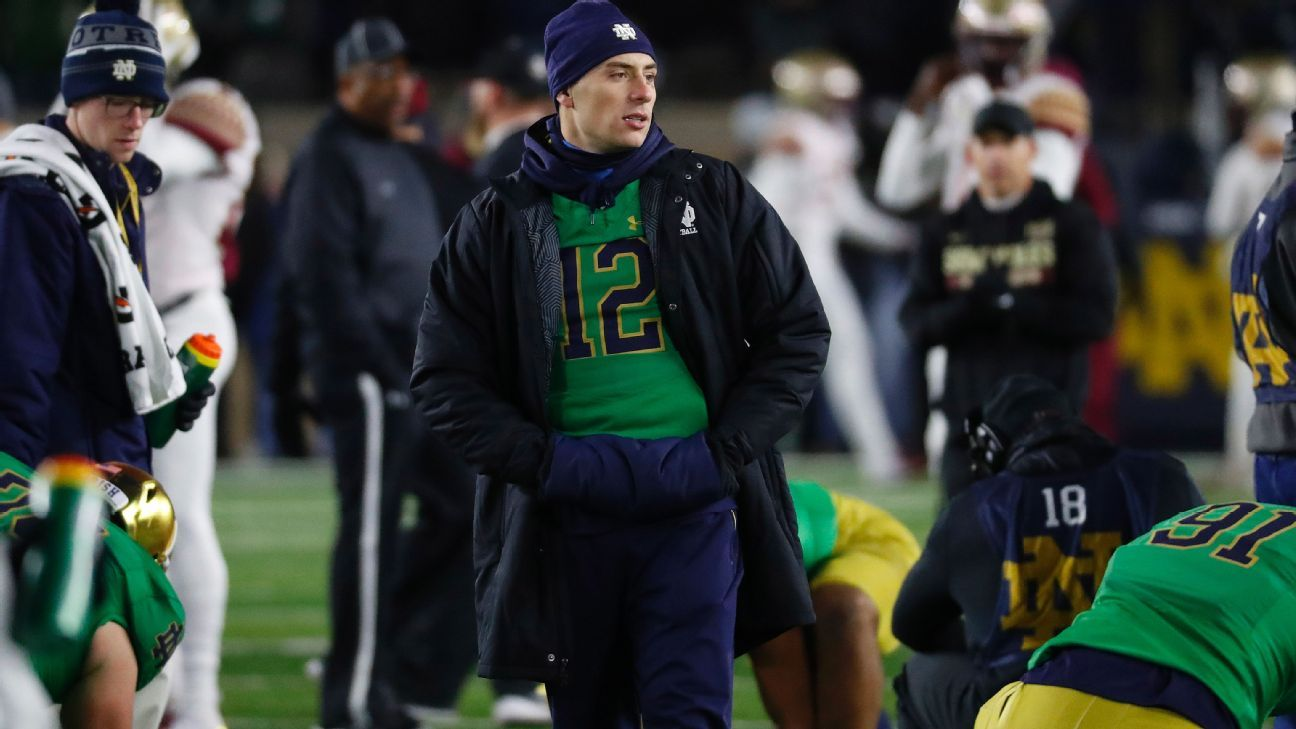 Notre Dame coach Brian Kelly announced Sunday that quarterback Ian Book will practice Tuesday and, if there are no setbacks, reclaim his starting spot over Brandon Wimbush.