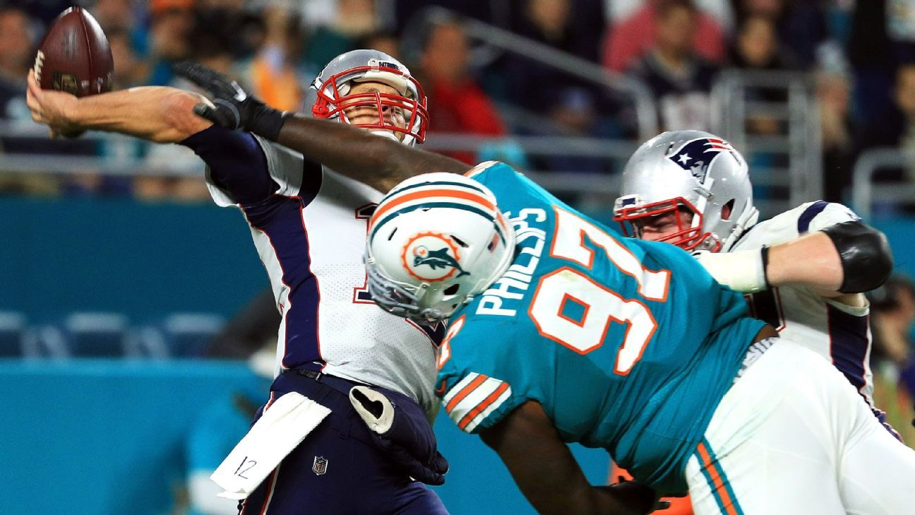 While Brady dominates the Dolphins in Foxborough, he and the Patriots tend to wilt in the Miami sun. Reverse that trend and they clinch the AFC East.