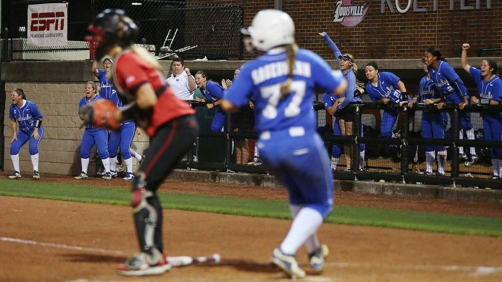 UK rallies to top Louisville in Battle of the Bluegrass