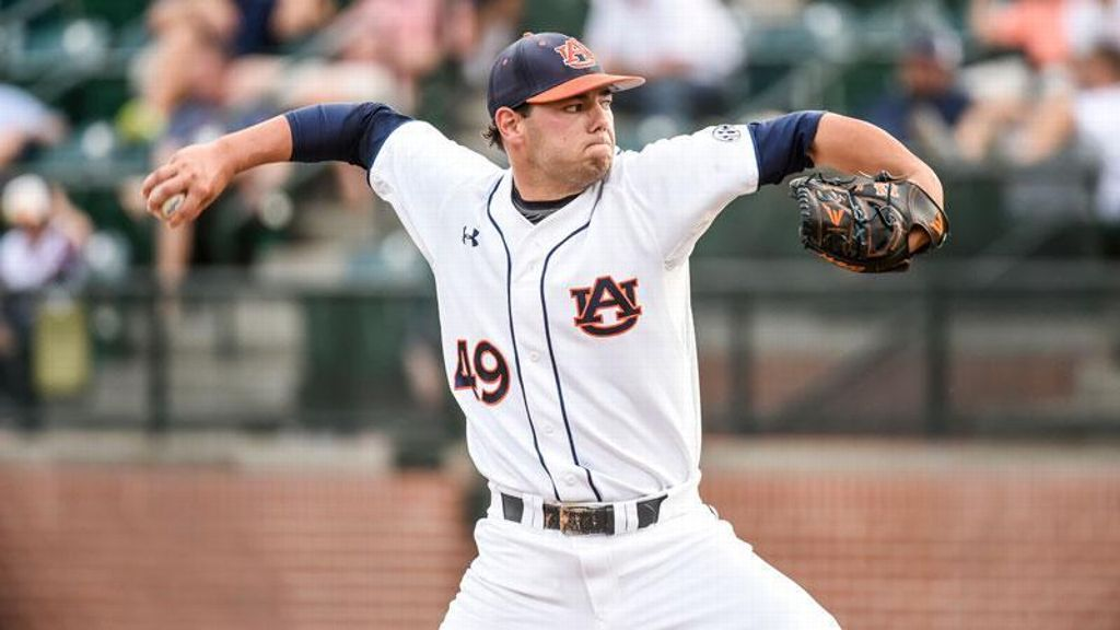 Lipscomb's complete game leads Auburn to win vs. UK