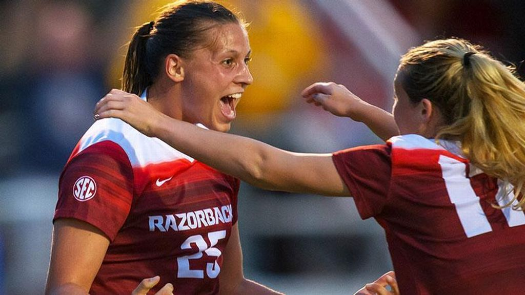 Arkansas upsets No. 2 Duke in home opener