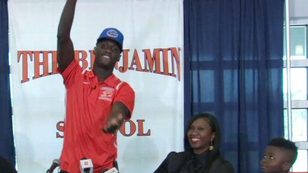 No. 4 athlete Elam commits to Florida