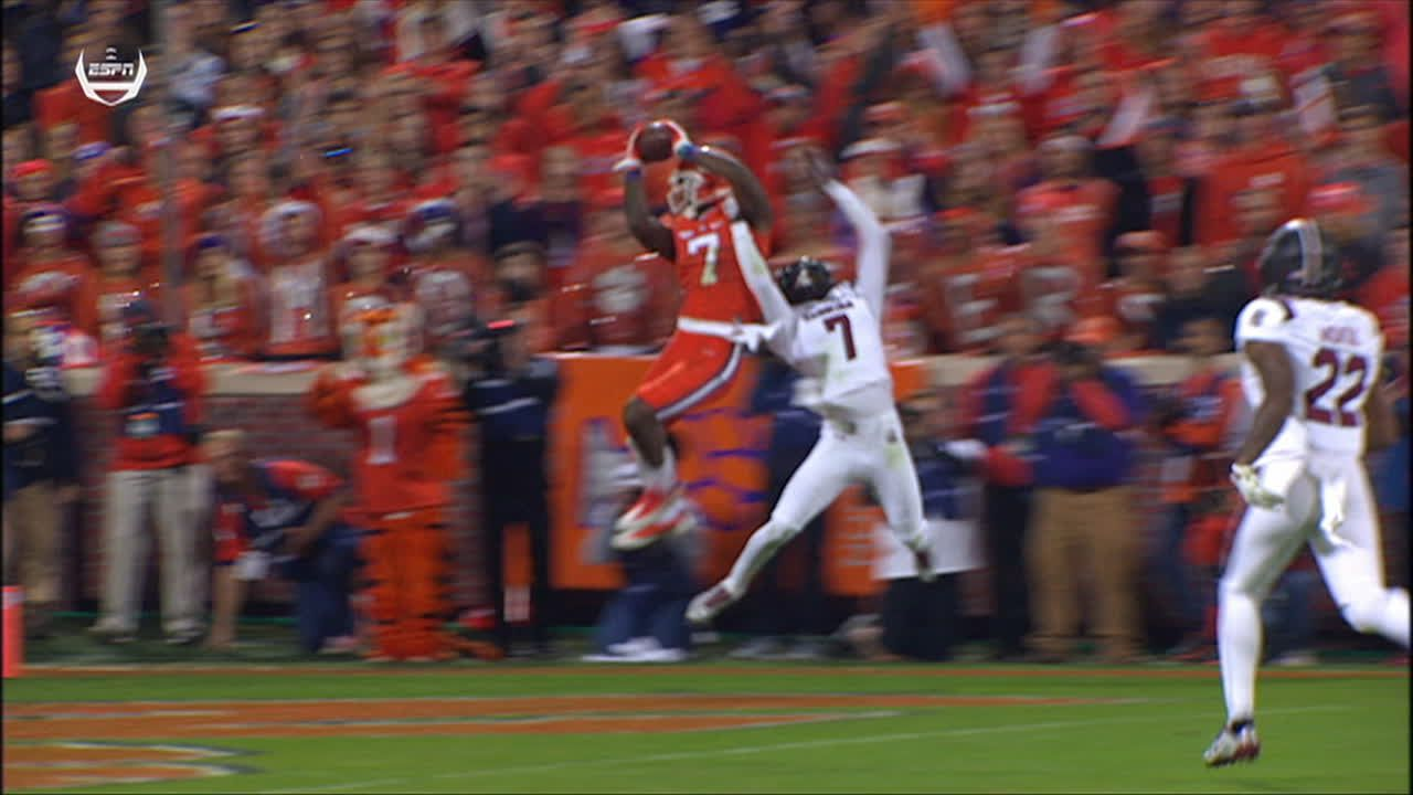 Clemson S Williams Makes Incredible Catch For Early Td