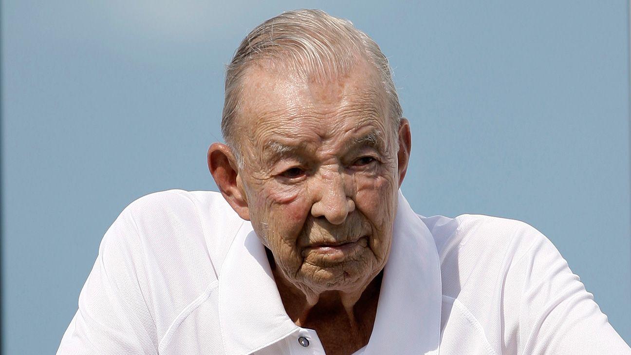 william clay ford sr detroit lions owner dies at 88. Black Bedroom Furniture Sets. Home Design Ideas
