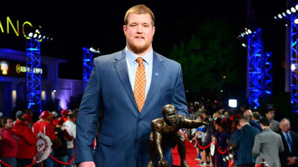 Auburn's Reese Dismukes wins Rimington Trophy