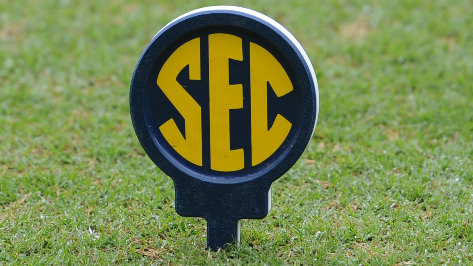 SEC announces 2016 Men's Golf Awards