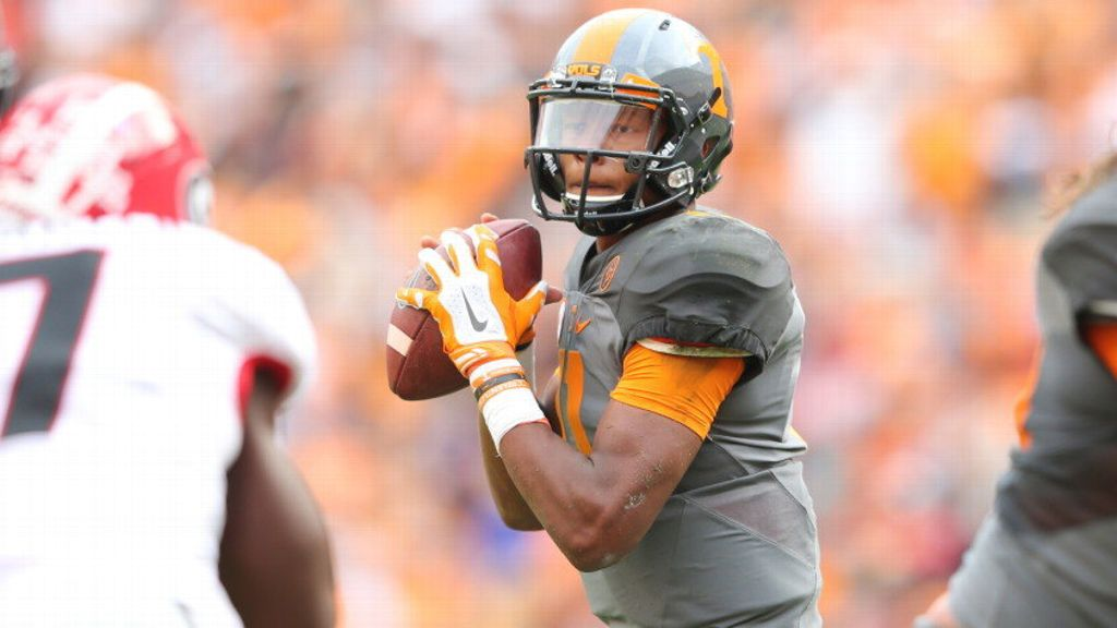 UT's Dobbs named Walter Camp Player of the Week