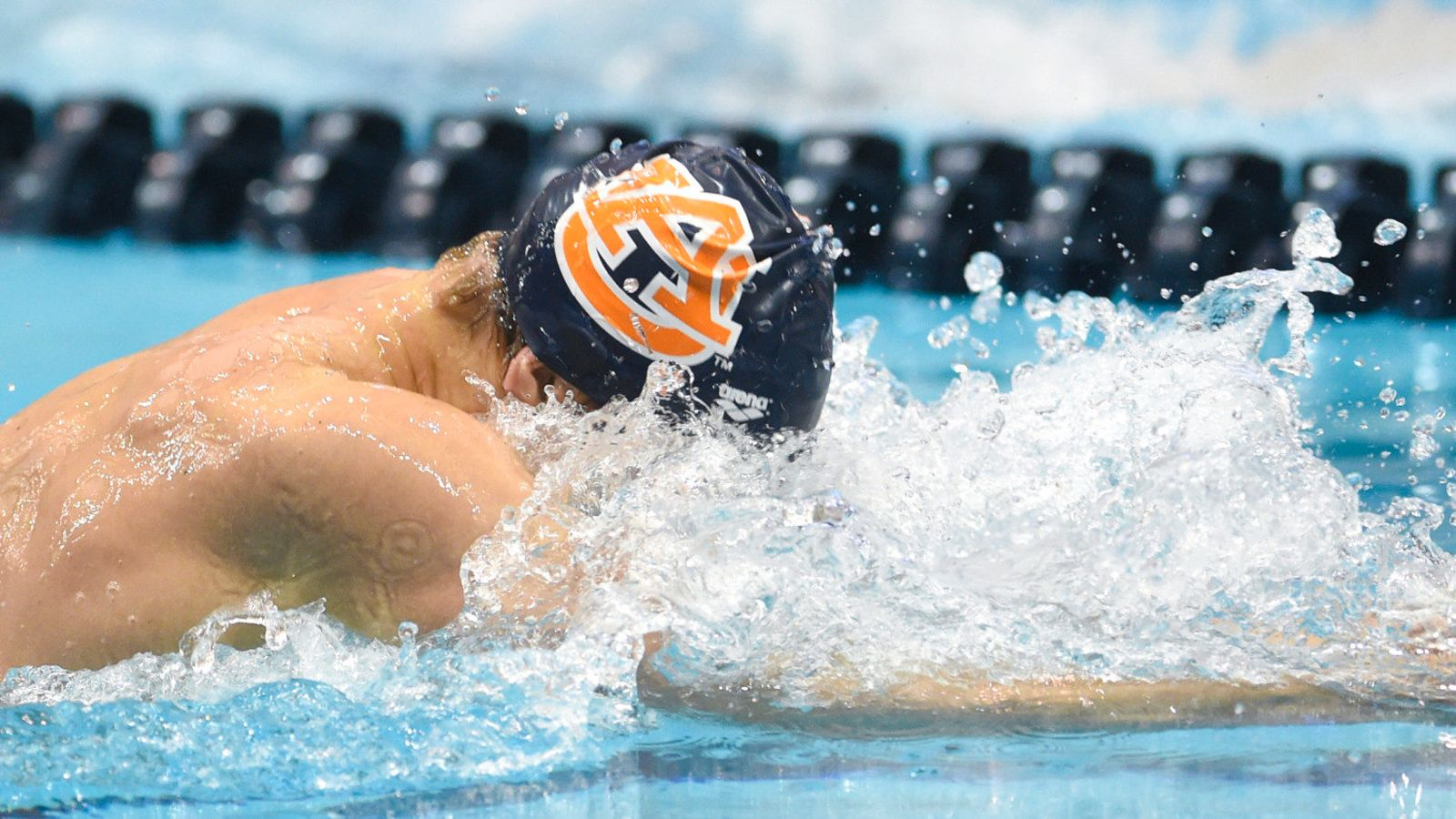 Auburn Beats Florida In Men S Swimming And Diving