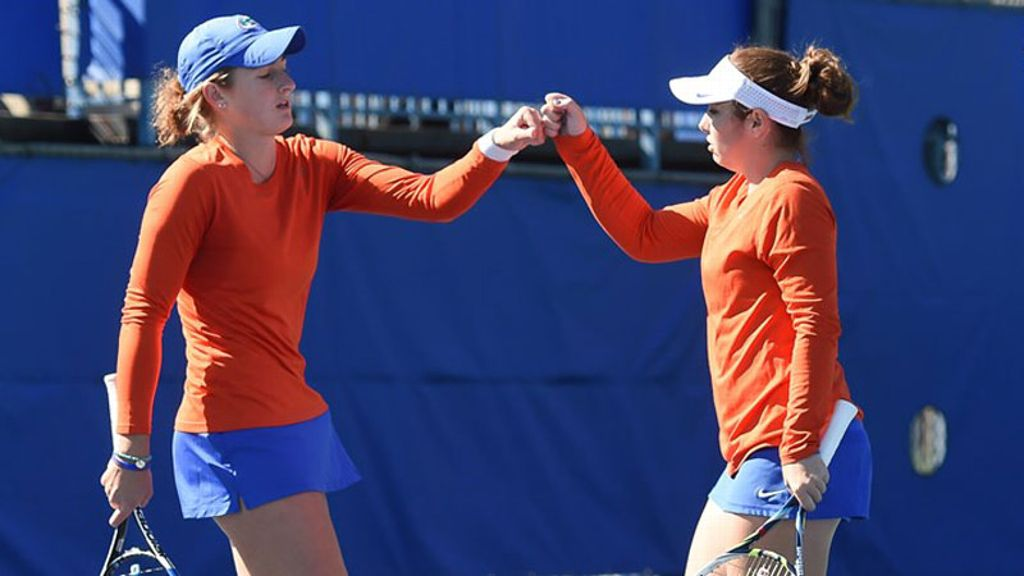 No. 3 Gators Topple No. 4 Trojans, 7-0