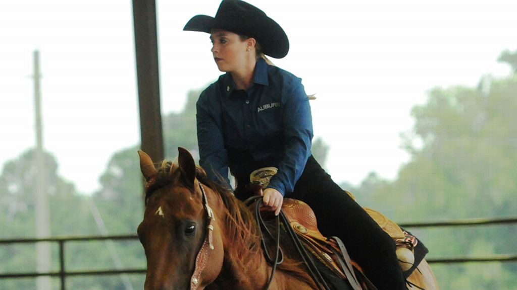 Alexander, Fratessa earn NCEA Rider of the Month Honors