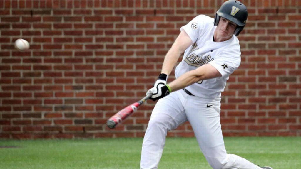 Commodores hold off Govs