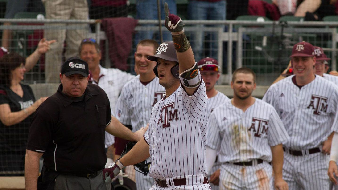 No. 2 Texas A&M outlasts Arkansas in 11 innings