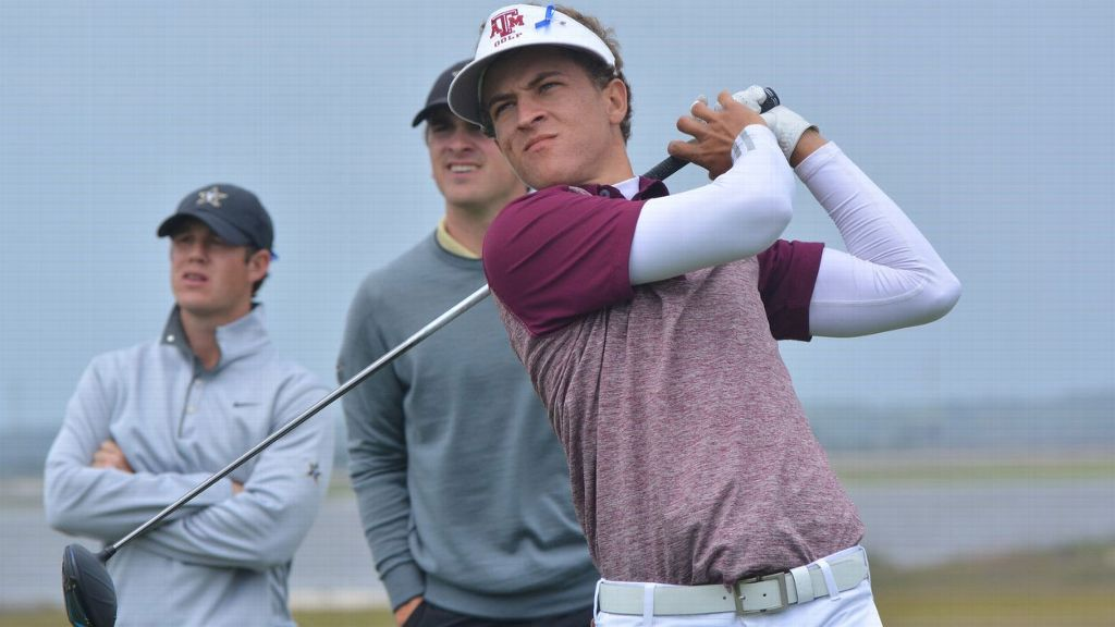 Champ advances as individual, Aggies fall in playoff