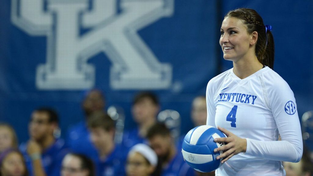 Kentucky coasts to 3-0 win over Wyoming