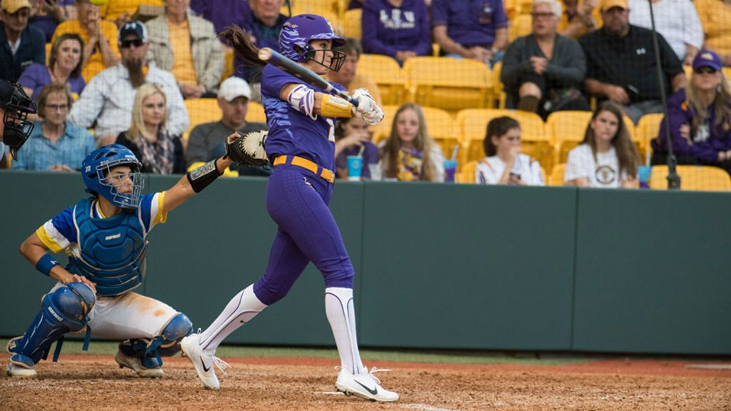Bailey Landry named NFCA Division I Player of the Week