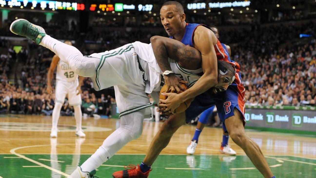 NBA -- Celtics show love to Bradley, who then shows Boston ...