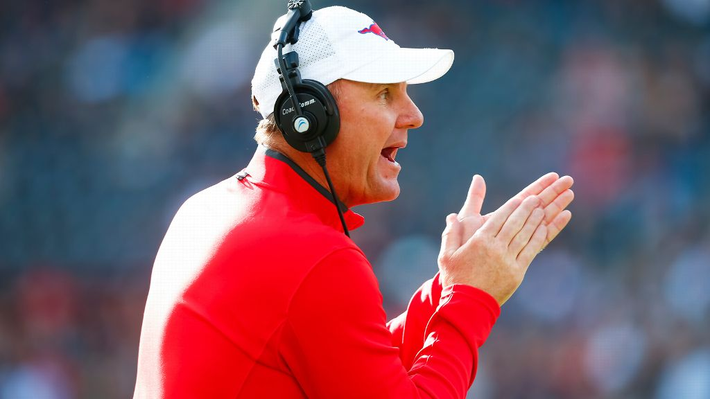 Arkansas hires Chad Morris as head football coach